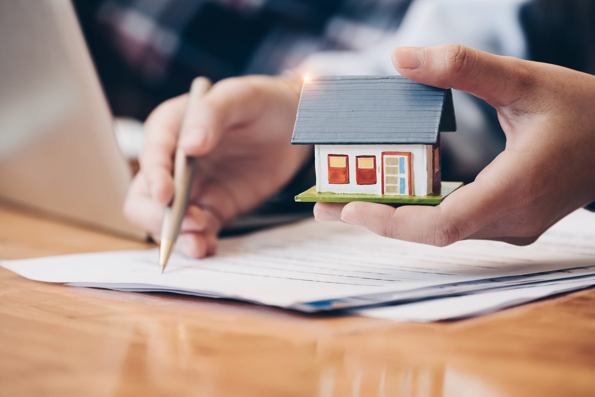 Buying Real Estate Property: The Added Value Of A Real Estate Lawyer